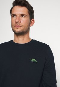 Burton Menswear London - DINOSAUR CREW - Mikina - navy - 3