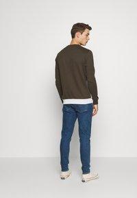 Burton Menswear London - COLOUR BLOCK CREW - Mikina - khaki - 2