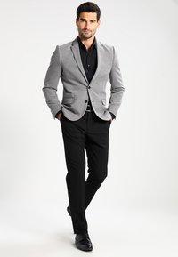Burton Menswear London - Sako - grey - 1