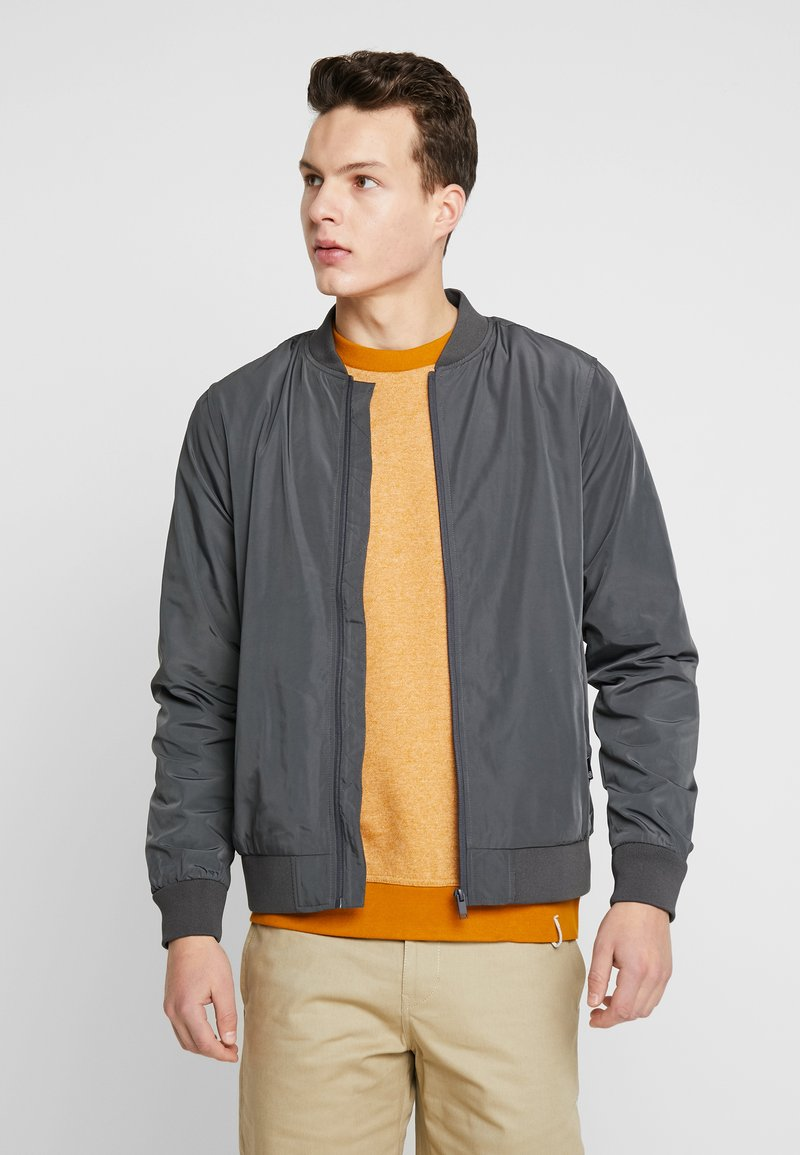 Burton Menswear London - CORE ALL - Bomber bunda - grey
