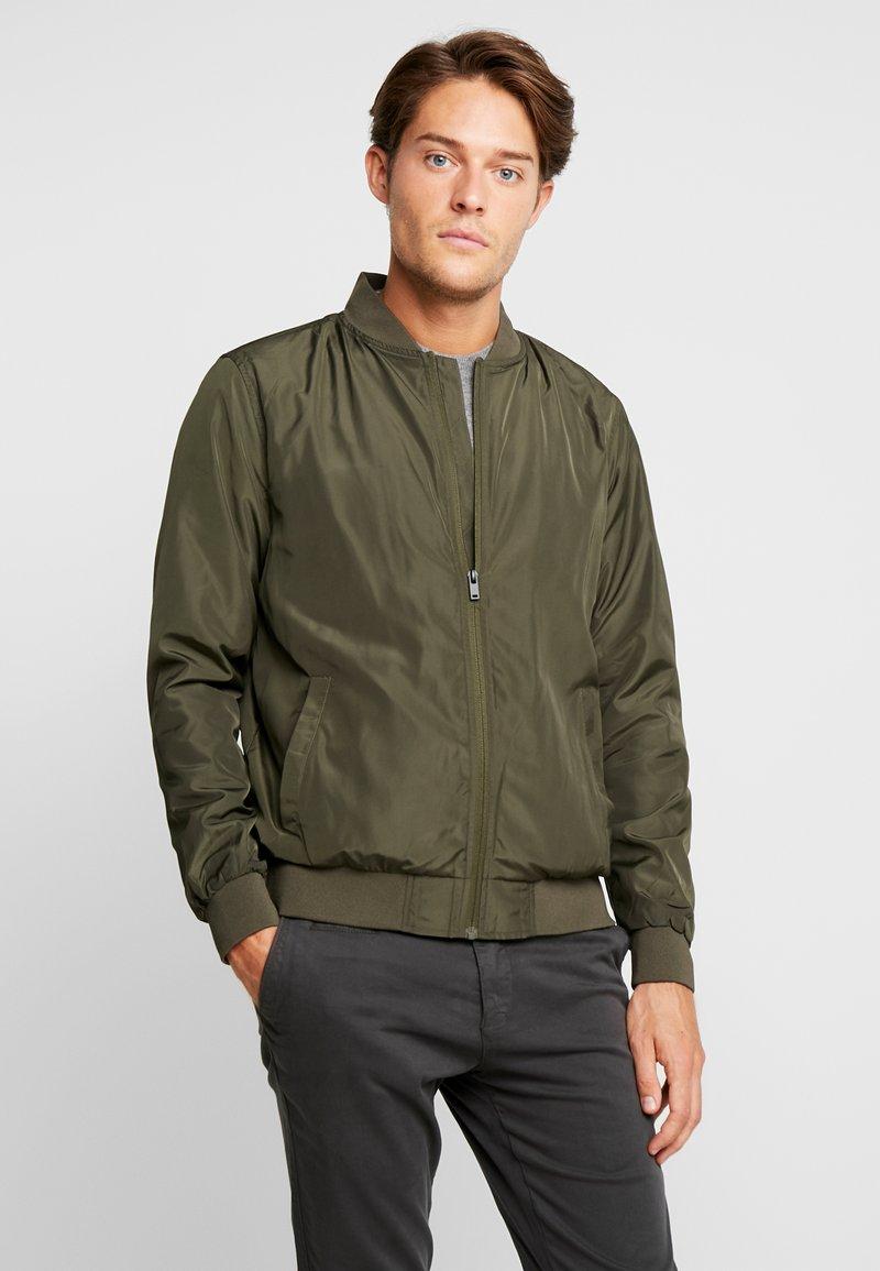 Burton Menswear London - CORE ALL - Bombejakke - khaki