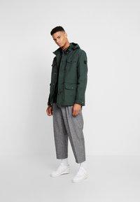Burton Menswear London - NAVY LIGHTWEIGHT  - Parka - khaki - 1