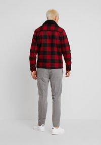 Burton Menswear London - BUFF BORG - Korte jassen - red - 2