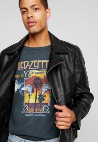 Burton Menswear London - BLACK BIKER - Faux leather jacket - black - 4