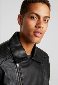 Burton Menswear London - BLACK BIKER - Faux leather jacket - black - 3