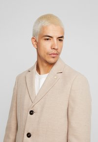 Burton Menswear London - OATMARL  - Mantel - tan - 4