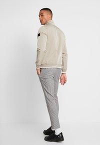 Burton Menswear London - ZIP  - Korte jassen - natural - 2