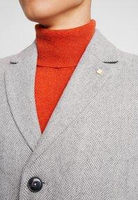 Burton Menswear London - FAUX - Zimní kabát - light grey - 6