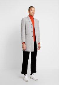 Burton Menswear London - FAUX - Zimní kabát - light grey - 1