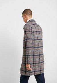 Burton Menswear London - CARCOAT HIPOW - Zimní kabát - brown - 2