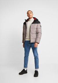 Burton Menswear London - MINI CHECK ENZO - Winterjas - red - 1