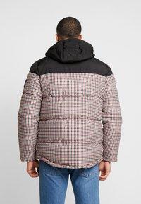 Burton Menswear London - MINI CHECK ENZO - Winterjas - red - 2