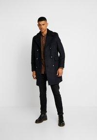 Burton Menswear London - MLTARY COAT - Cappotto classico - khaki - 1