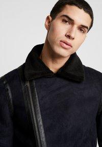 Burton Menswear London - BIKER - Veste en similicuir - black - 5