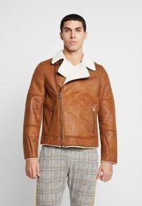 Burton Menswear London - BROWN SHEARLING  - Faux leather jacket - braun - 3