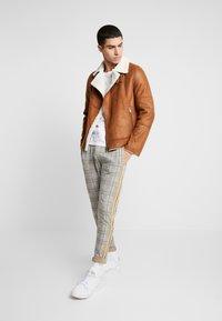Burton Menswear London - BROWN SHEARLING  - Faux leather jacket - braun - 1