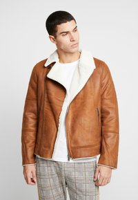 Burton Menswear London - BROWN SHEARLING  - Faux leather jacket - braun - 0