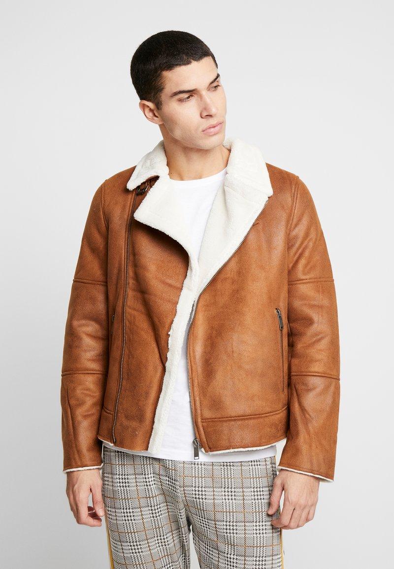 Burton Menswear London - BROWN SHEARLING  - Faux leather jacket - braun