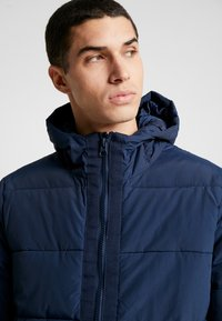 Burton Menswear London - RICH ASPEN PUFFER - Zimní bunda - blue - 3