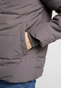 Burton Menswear London - ASPEN PUFFER - Zimní bunda - charcoal - 6