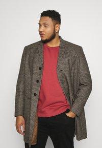 Burton Menswear London - Zimní kabát - brown - 0