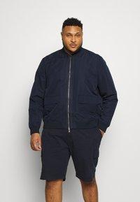Burton Menswear London - BIG REPREVE UTILITY BOMBER - Bomberjacks - navy - 0