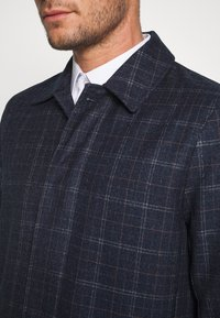 Burton Menswear London - CHECK LIGHTWEIGHT CARCOAT - Short coat - navy - 5