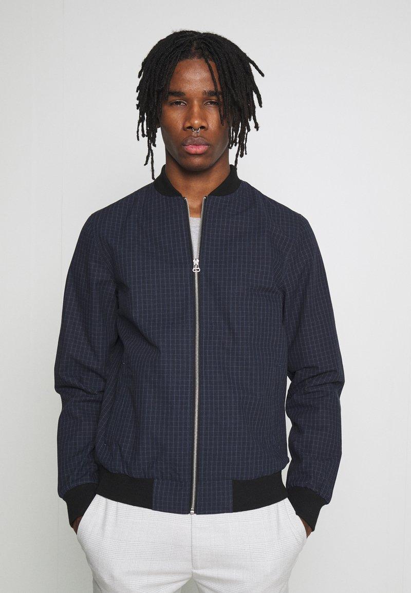 Burton Menswear London - BLACK MINI CHECK  - Bomberjacke - black