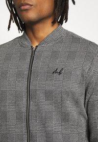 Burton Menswear London - CHECK BOMBER - Huvtröja med dragkedja - grey - 4