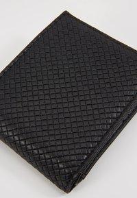 Burton Menswear London - DIAMOND EMBOSS WALLET - Monedero - black - 2