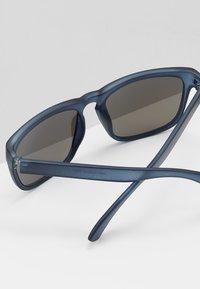 Burton Menswear London - SQUARE MOLLY BLUR MIRROR - Gafas de sol - blue - 3