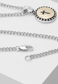 Burton Menswear London - CROSS COIN NECKLACE - Náhrdelník - mixed metal - 2