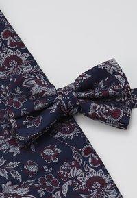 Burton Menswear London - SUNFLOWER SET - Kapesník do obleku - navy - 4