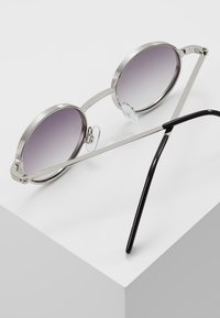 Burton Menswear London - JOHN - Solbriller - silver-coloured - 4