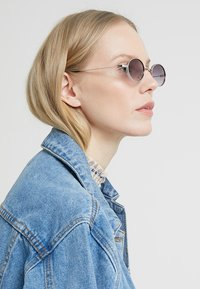 Burton Menswear London - JOHN - Solbriller - silver-coloured - 2