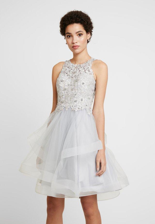 Sukienka koktajlowa - silver