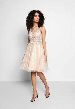 Festklänning - nude