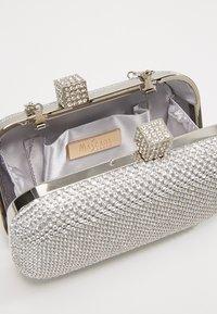 Mascara - Clutch - silver - 4