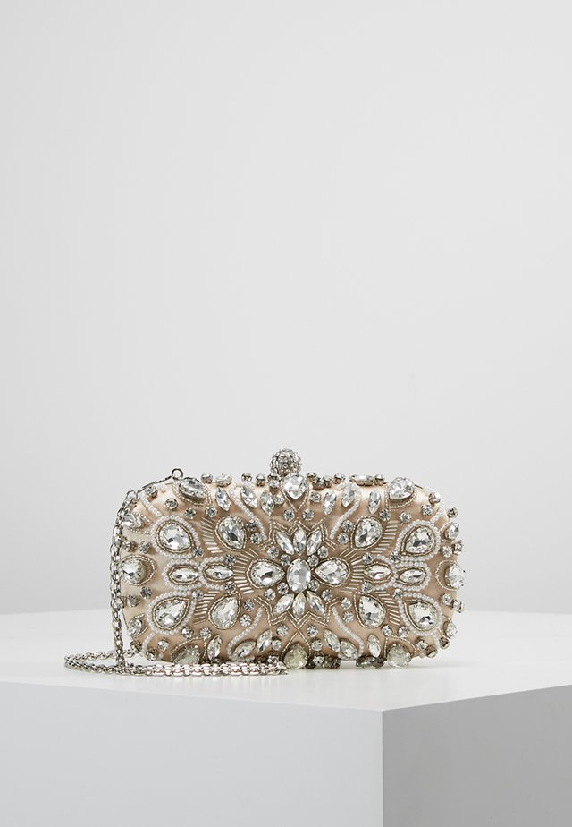 Clutches - oyster
