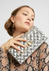 Mascara - Pochette - silver - 1