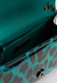 Mascara - Clutch - green - 4