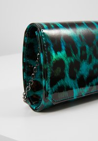 Mascara - Clutch - green - 6