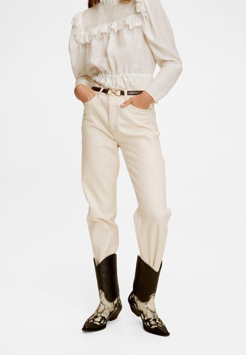 Mango Premium - PREMIUM - Jeans Straight Leg - ecru