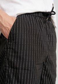 Mister Tee - Shorts - black - 4
