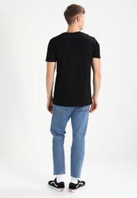 Mister Tee - 2PAC ALL EYEZ ON ME - T-shirt print - black - 2