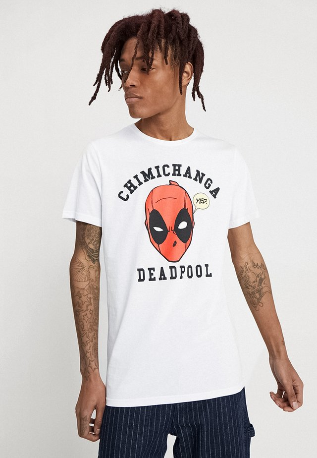 DEADPOOL CHIMICHANGE TEE - Print T-shirt - white