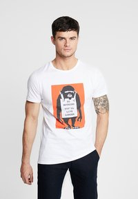 Mister Tee - BANKSY DO NOTHING TEE - T-shirt print - white - 0