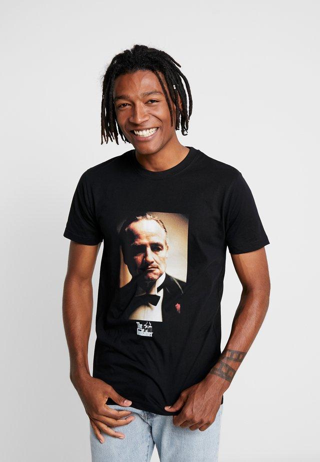 GODFATHER PORTRAIT TEE - Print T-shirt - black