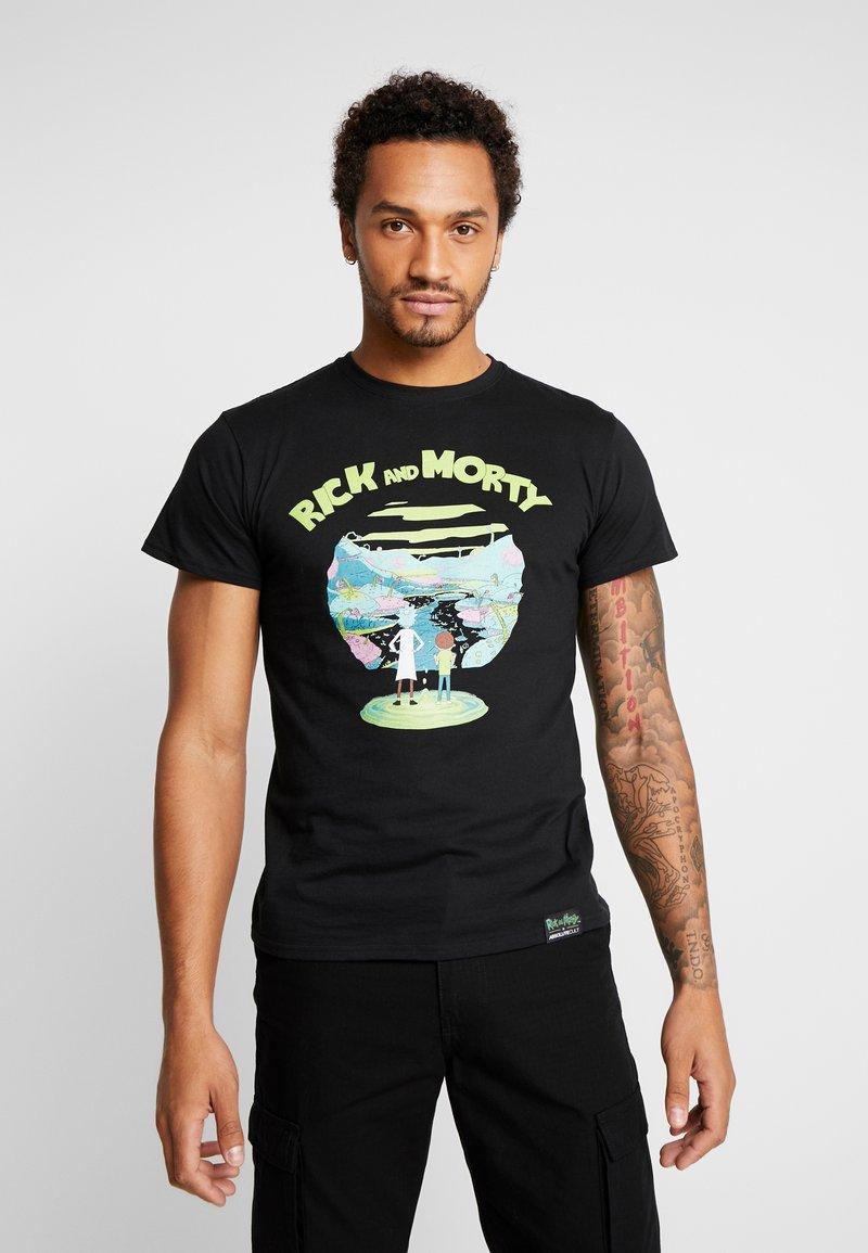 Mister Tee - RICK AND MORTY LOGO TEE - Camiseta estampada - black