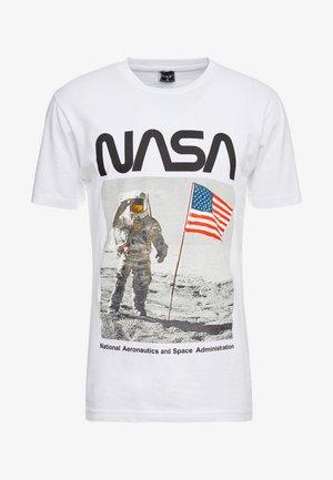 NASA MOON MAN TEE - Camiseta estampada - white